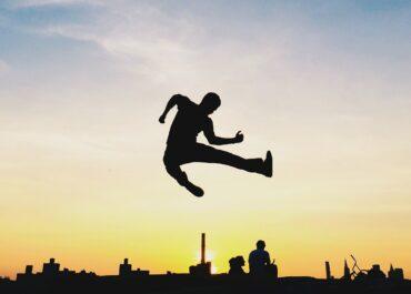 Zwolnienie z pracy – dlaczego budowanie marki osobistej to najlepsza droga, aby być w końcu wolnym i... odpornym na kryzysy?